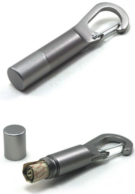A carabiner that will keep your cash hidden. | 26 Insanely Awesome Products With Hidden Uses / TechNews24h.com