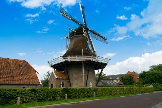 De Hollandse Molen, Deze foto is genomen op een mooie nazomer dag, nabij het dorpje Noordwolde. Provincie Friesland.