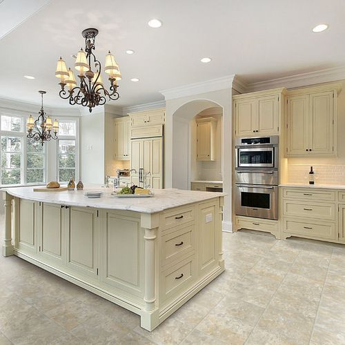 Traditional Off White Kitchen Cabinets: 600 Traditional Narrow Mudroom Home Design Design Ideas