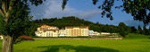 http://www.hotel-winzer.at/wellnesshotel-attersee.de.htm  Wellness & Spa Hotel nahe Attersee.
