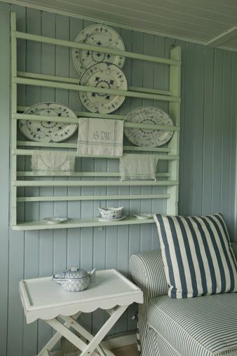 love the blue and white - especially the old Porsgrund china pattern