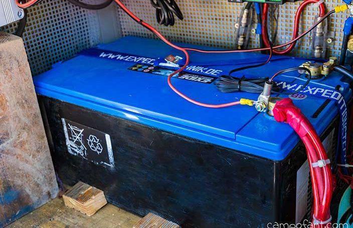 Wohnmobil Batterie, Aufbaubatterie, Versorgungsbatterie, AGM Batterie, Gel Batterie