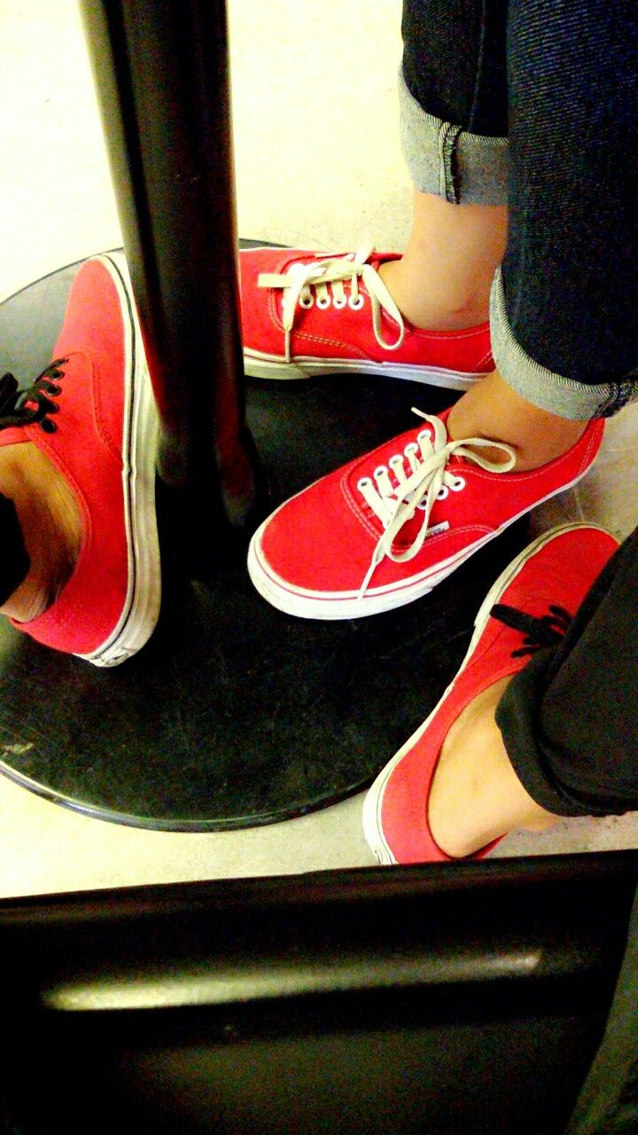 Vans Authentic 🔴