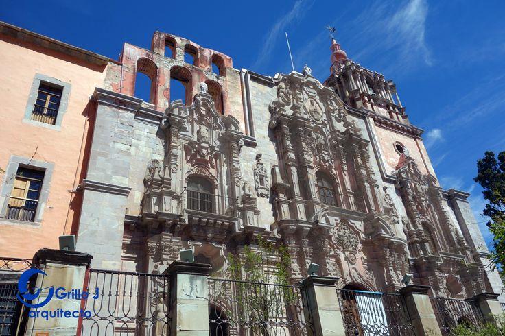 Es una de las más grandes iglesias jesuitas construida por la Compañía de Jesús durante la época de la Nueva España. Su construcción inició en 1746 y finalizó en 1765. Guanajuato.