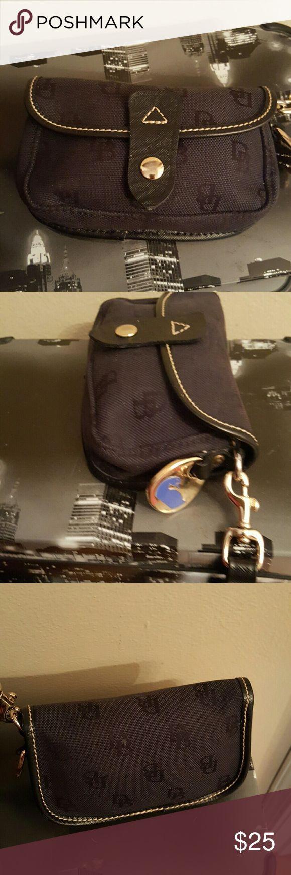 Dooney & Bourke wristlet Black Dooney & Bourke wristlet Dooney & Bourke Bags Clutches & Wristlets