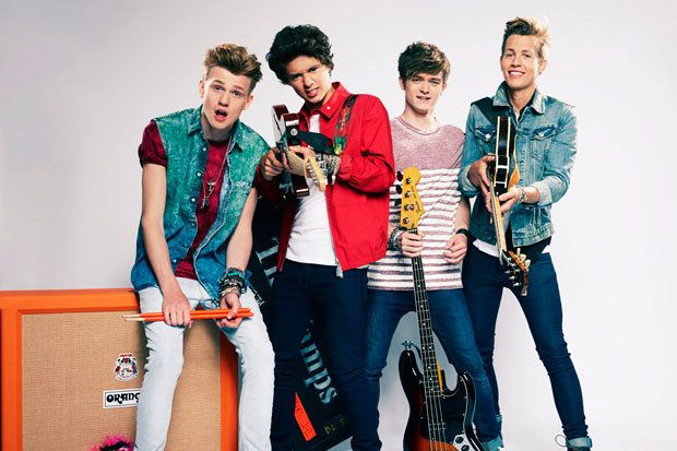 the vamps on a bus | The Vamps 'fell in love' with Selena Gomez