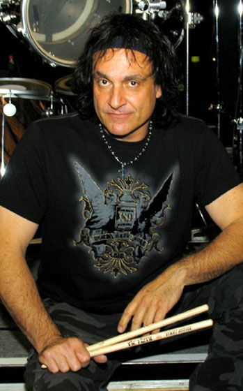 Vinny Appice (September 13, 1957) British guitarist for the band Black Sabbath.