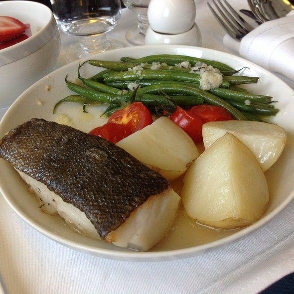 seared black cod fillet a la nicoise at singapore
