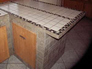 Küche mit gefliester Theke selber bauen   – aubenkuche.diyhomedesigner.com