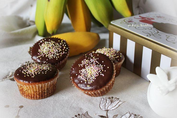 Muffin alle banane con glassa di cioccolato