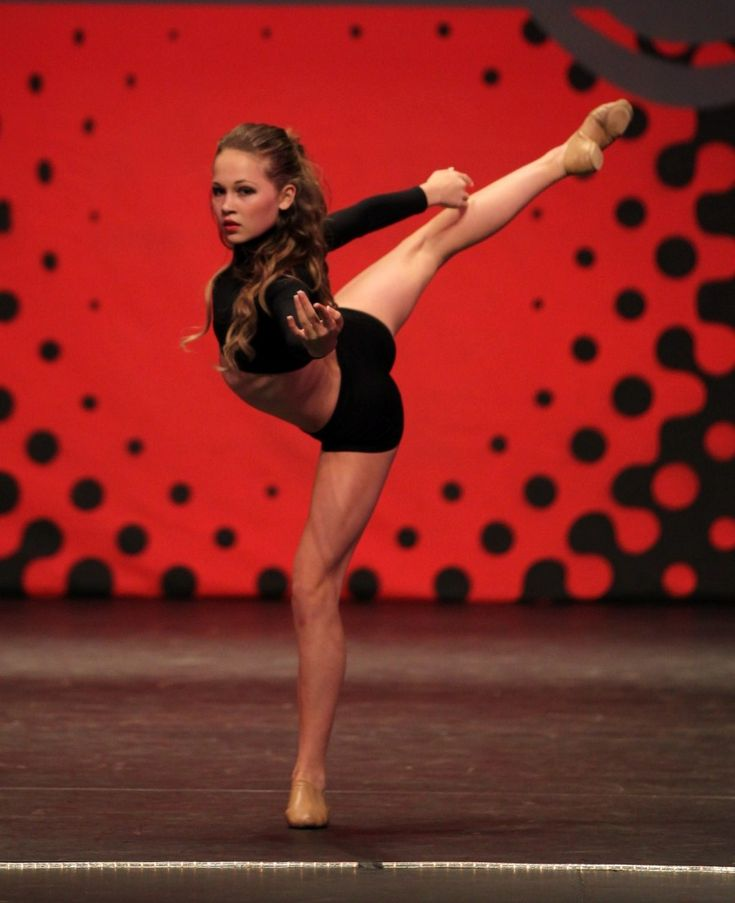 Pictures & Photos of Kelli Berglund - IMDb