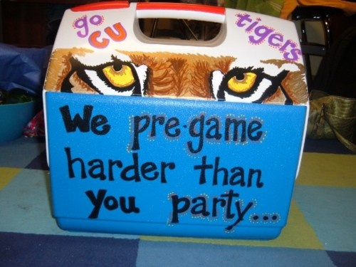 coolerPainting Coolers Sayings, Clemson Alpha, Pre Gam, Colleges Coolers, Parties Till, Clemson Sorority, Coolers Crushes, Canvas, Coolers Ideas
