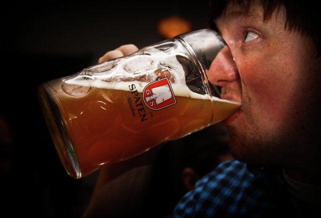 beer chug SF-Do Oktoberfest in SF like a boss