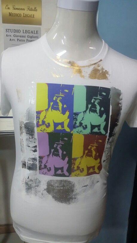 Tshirt stampata in sublimazione con effetti in foil oro e argento