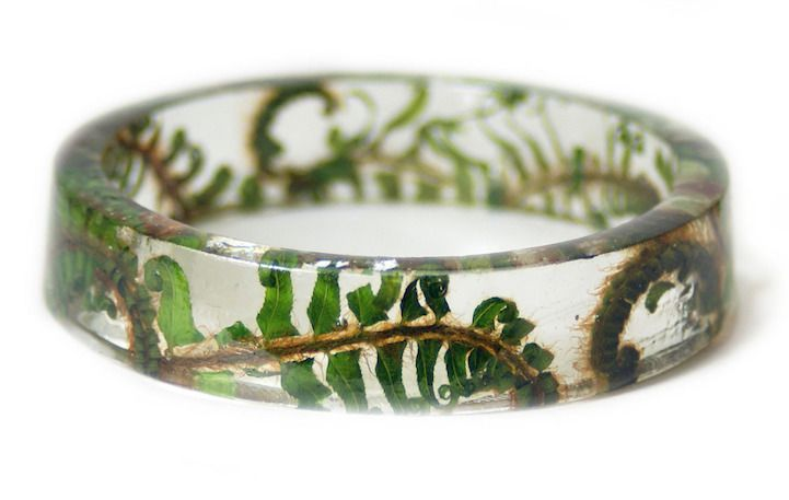 Handcrafted Jewelry Contains Delicate Pieces of Nature Encased in Resin - My Modern Met