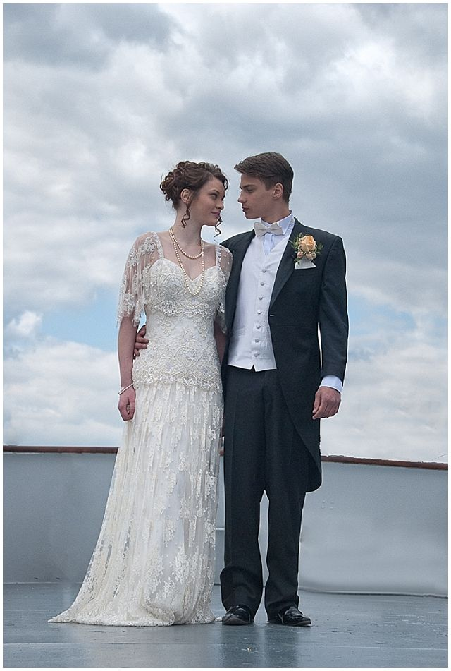 Titanic wedding. This really exists? holy crap