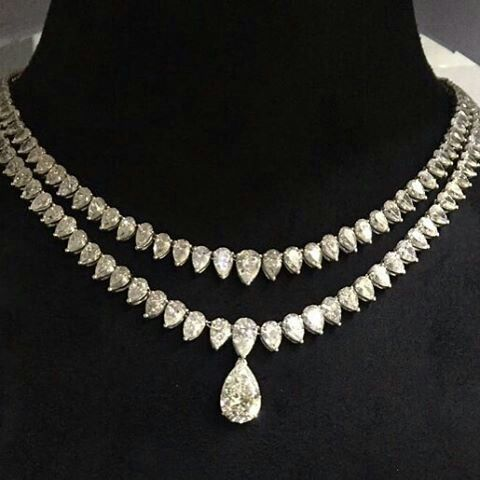 At Jewellery Salon Exhibition 2017 the most Luxurious