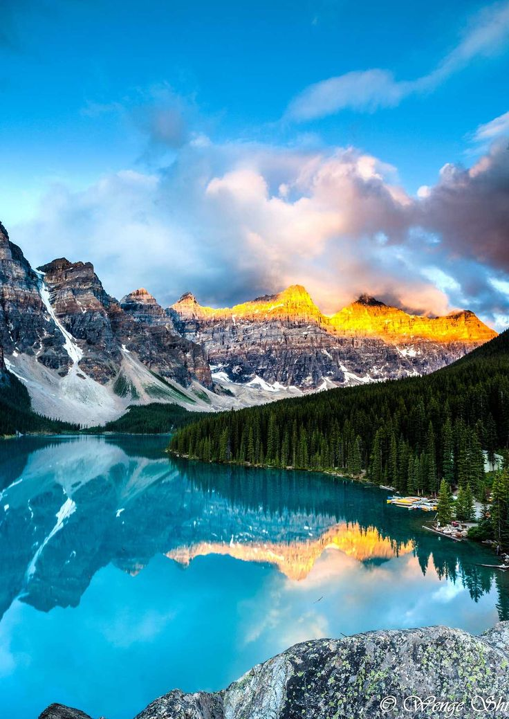 Sunrise at Moraine Lake by Wengeshi at Moraine Lake, Banff National Park Follow @travelgurus for the best Tumblr landscapes