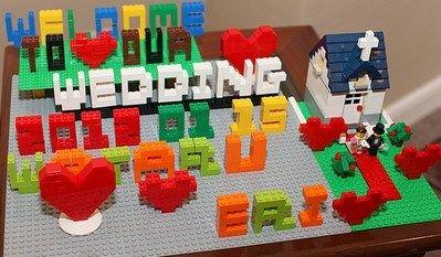 レゴのウェルカムボードの作り方・かかる費用と必要なキットは? | お呼ばれウェディング