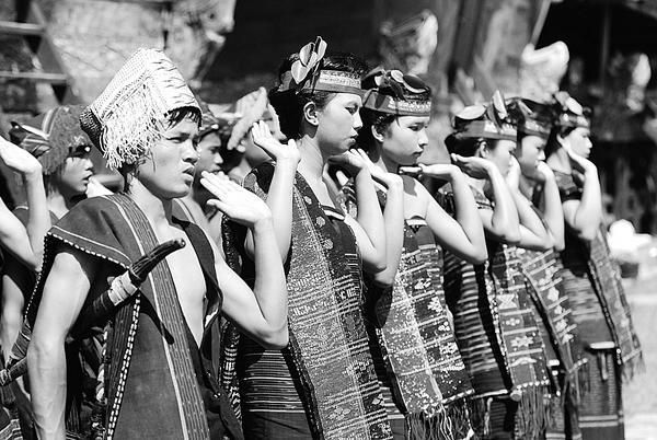 Batak Traditional Dance