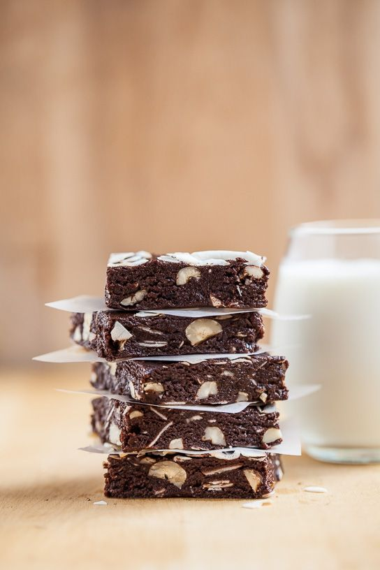 These toasted coconut mocha hazenut raw brownies are gluten-free, vegan, naturally sweetened, and completely delicious.