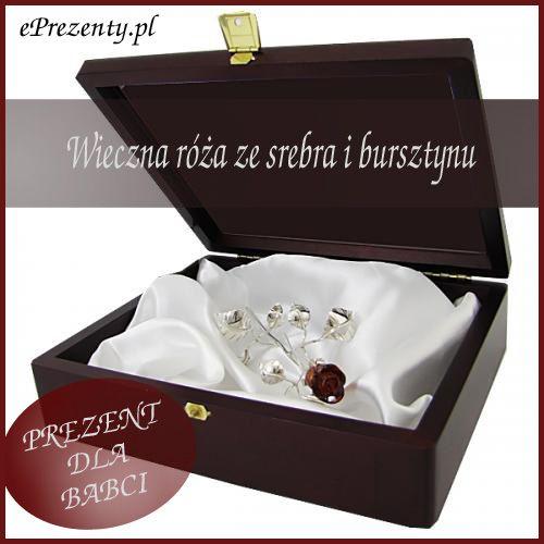 Niezwykle elegancka róża ze srebra pr 925 z pąkiem z naturalnego bursztynu. Srebrna Róża to unikalny podarunek, prezentujący się zachwycająco na żywo. Zapakowana jest w eleganckie drewniane pudełko na którym możemy umieścić grawer tekstu życzeń, dedykacji lub inny dowolny napis.  http://bit.ly/1u8OgYT