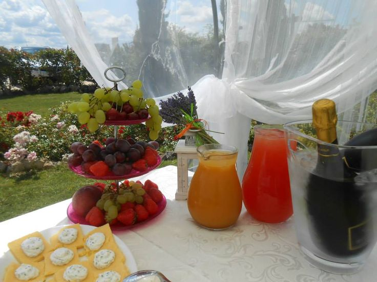 Wedding Buffet in the garden in our romantic restaurant near San Gimignano and Colle di Val d'Elsa (Siena)