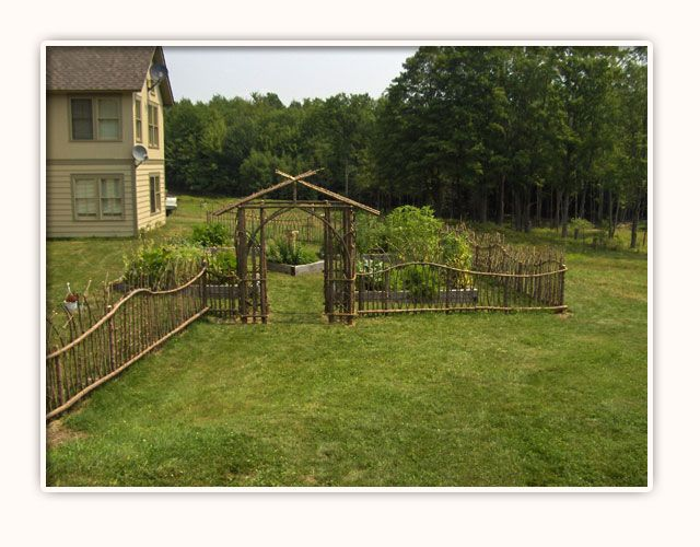 Rustic wood fence designs privacy fence designs how to for Rustic fence ideas