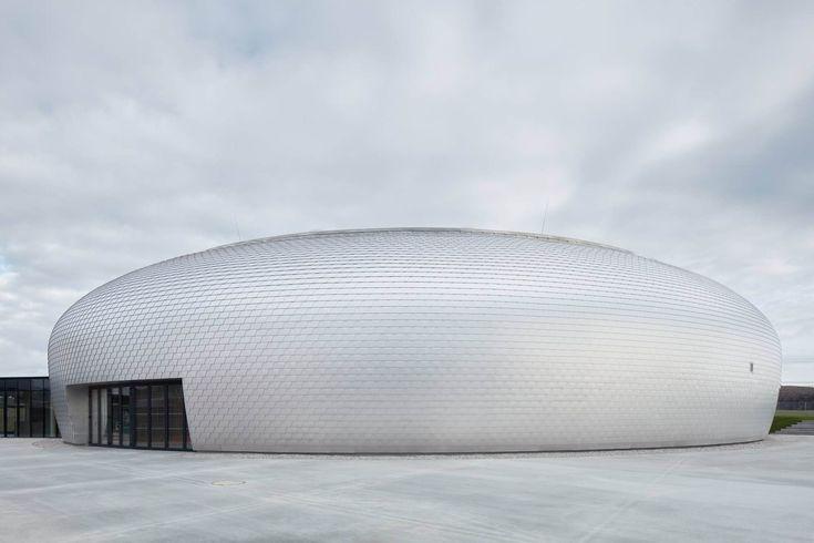 Dolní Břežany Sports Hall / Sporadical