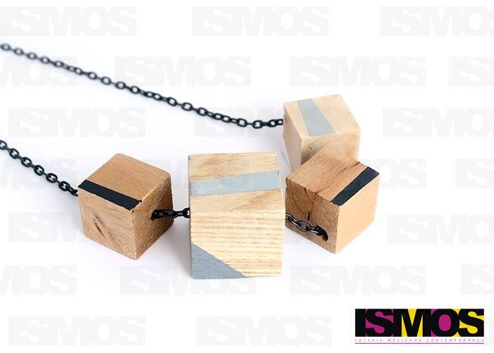 ISMOS Joyería: collar con cubos de madera // ISMOS Jewelry: necklace with wooden cubes