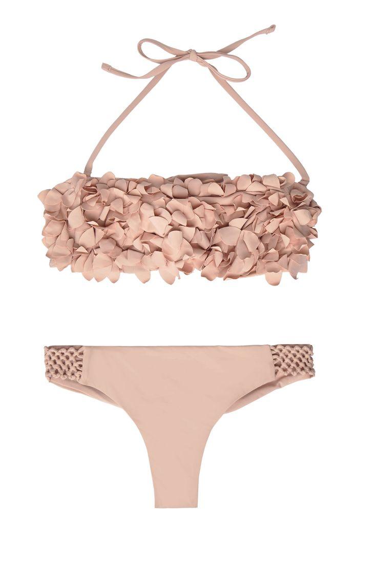 Bañadores y bikinis para estrenar la temporada 2017. Bikini de Oysho (39€)