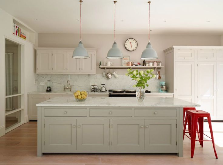 Island Unit With Low Hanging Lights Kitchen Inspiration