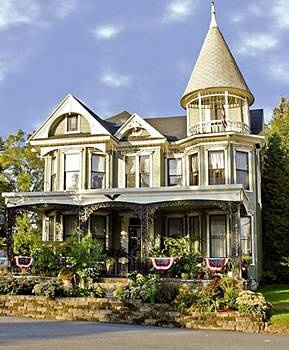 Gelinas Manor Victorian Bed And Breakfast