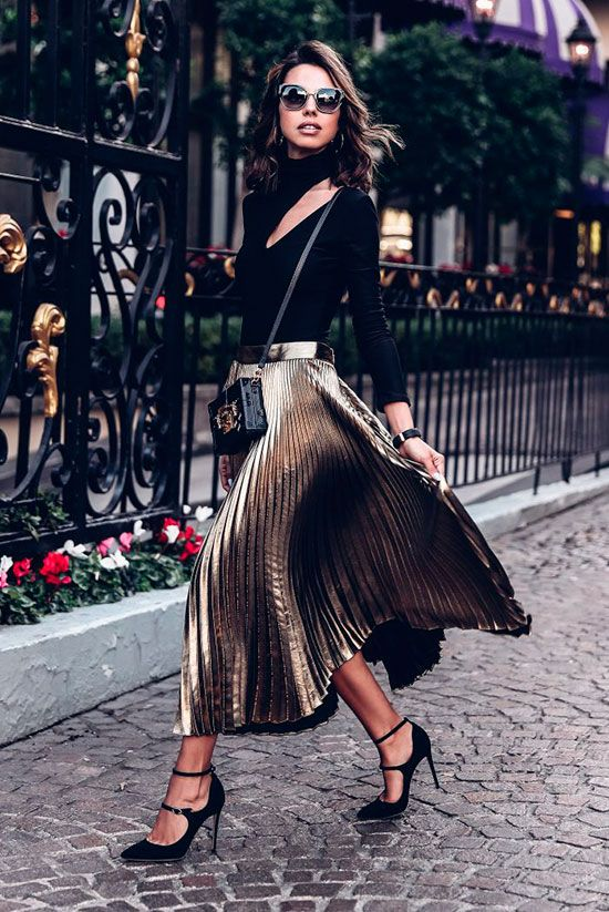 From the casual family dinner to the office holiday party, we've looked to some of our favorite fashionistas for the perfect holiday outfits!