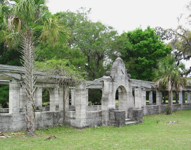 The Ruins of Cumberland Island ~ Kuriositas