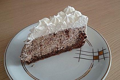 Gefüllter Nusskuchen 12   – Kuchen