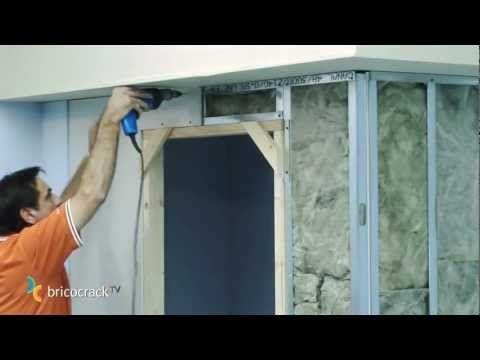 Construir tabiques de yeso laminado (Pladur) 2: aislante y placas (Bricolaje BricocrackTV) - YouTube