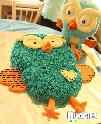 Here's a great idea for a Hoot cake - pipe the feathers on!