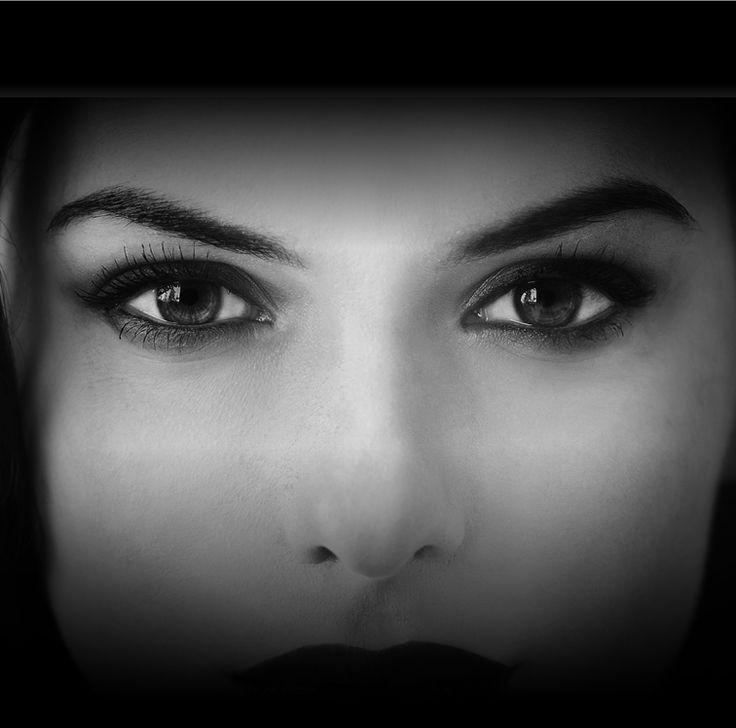 Ti farà scoprire chi sei davvero. http://www.rizzolilibri.it/io-ti-guardo/