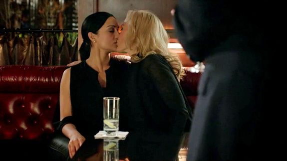 The Fall | Gillian Anderson + lesbians = amazing