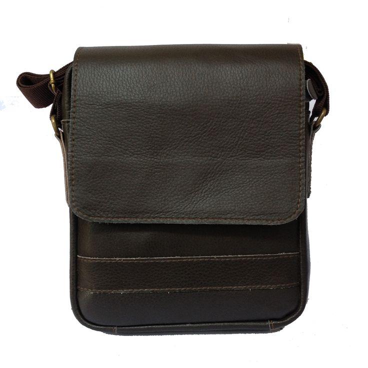 Tas selempang atau dikenal dengan sling bag