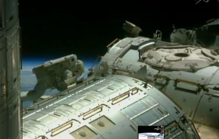 Así Se Ven Los Astronautas En El Exterior De La Estación Espacial Internacional #Video