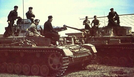 Two Panzer 4 tanks with Panzergruppe Von Kleist. One with the short barreled 75mm and the second with the newer long barreled gun for better anti tank performance.