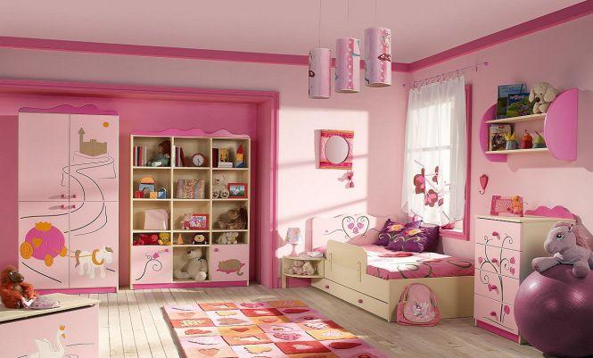 Mobila Camera copii roz Addana.  MOBILA ROZ CAMERA FETE  Mobilierul de culoare roz pentru copii Addana este realizat din panouri de MDF vopsit mat si elemente de PAL. Accesorizare: BLUMOTION la sertare. Fiecare element se poate realiza la comanda pe dimensiunea ceruta.