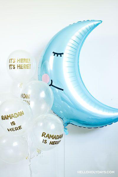 Ramadan Ideas: Crescent Moon Balloon Bouquet - Hello Holy Days! #ramadan #eid