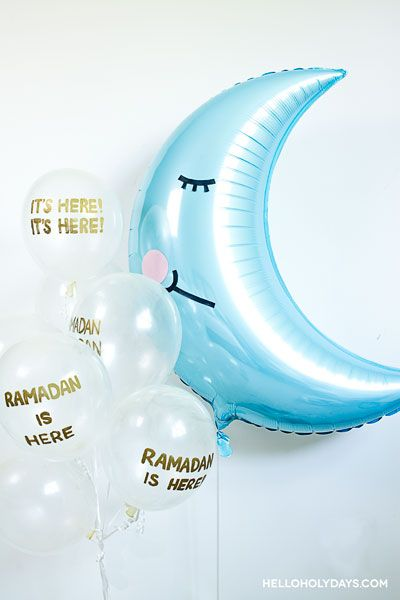 Ramadan Ideas: Crescent Moon Balloon Bouquet - Hello Holy Days! #ramadan #eid