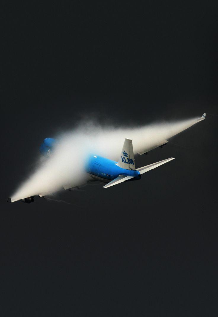 I have heard of air turbulence, but air Fog????