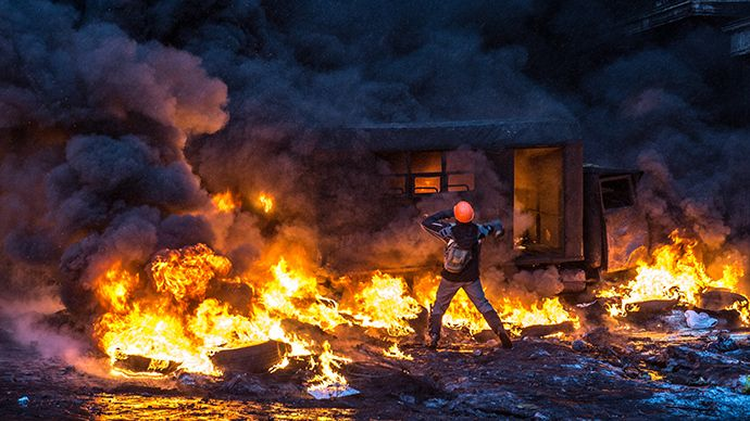 From sea of flags to rivers of blood: How Kiev peaceful protest turned into Maidan mayhem - http://alternateviewpoint.net/2014/02/21/top-news/from-sea-of-flags-to-rivers-of-blood-how-kiev-peaceful-protest-turned-into-maidan-mayhem/