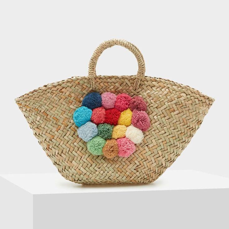 Get ready for the summer | The new palm-leaf bag is waiting for you in stores and online (Link in bio). Prepárate para el verano | El nuevo capazo está esperándote en tiendas y online (Link en bio).