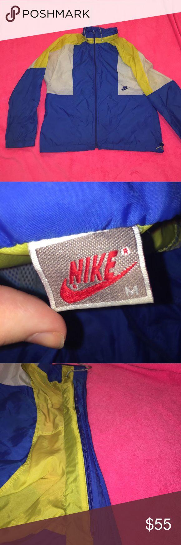 Nike windbreaker never worn cozy windbreaker men s medium but very roomy comes